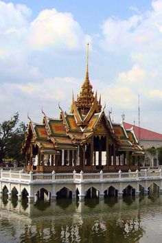 Palacio Real de verano Bang Pa-in, en la ciudad de Ayutthaya muy cerca de Bangkok, Tailandia.
