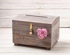 Diese Schatzkiste wird eine echte Aussage bei deiner Hochzeit machen. Nach deiner Hochzeit, weiterhin diese schöne Schachtel in deinem Haus zu benutzen - es ist ein schönes Andenken von deinem...