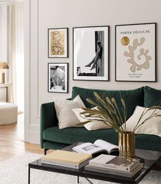 Gallery walls & Inspiration - Stylish gallery walls - Desenio.eu Gallery Wall, Arte Popular, Spacious Living Room, Inspirational Wall Art, Inspiration Wall, Picture Wall, Scandinavian Design, Desenio Posters, Online Posters