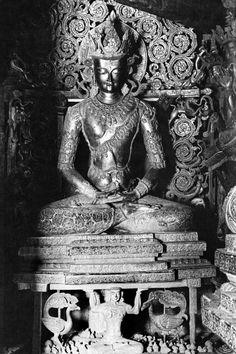 to century Buddhist Art of the Himalayas Amitabha Buddha, Sumerian, Buddhist Art, 14th Century, Himalayan, Tibet, Art Blog, Bodies, Archive