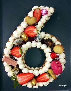 Pastel de números | Magia en mi cocina | Recetas fáciles de cocina paso a paso Ornament Wreath, Random, Cakes, Almond Cookies, Deserts, Number Cakes, 40th Birthday Parties, Recipes, Casual