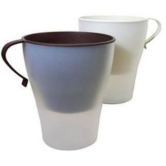 Trash Mug: cleverly designed 2-in-1 trashcan w/ removable mug easily separates recyclables from trash (in car)