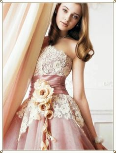 Light Pink Colored Short Wedding Dresses | For more article about this picture visit http://www.weddingyuki.com/2014/08/bright-colored-wedding-dresses-best.html