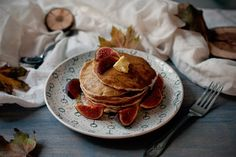Red velvet cooking & baking: Mandľové lievance