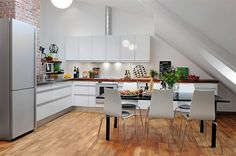The idea from the title is to suggest some more ideas for the kitchen design, not that these designs are more beautiful than the previous ones I talked about. These being clear, let's proceed. The kitchen designs you can admire here present mostly large kitchens with enough space to do whatever you want there.