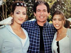 Kourtney Kardashian, Kim Kardashian Father, Kardashian Family Photo, Kardashian Girls, Kim And Kourtney, Robert Kardashian, Kardashian Jenner, Kris Jenner, Kendall Jenner