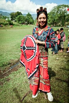 In the highlands of Mindanao, the Tboli people weave their Tnalak through dreams revealed to them by the spirit of the abaca, Fu Dalu. By happenstance, it is also there that the dream to create garments inspired by traditional embroidery, beadwork and weaving took its first step as FILIP + INNA, which found a group of Tboli women to work with and create a striking collection of woven and embroidered fashion. Photo by: Neal Oshima | Clothroads