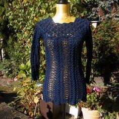 Blauer Longpulli von Meine Strickerei auf DaWanda.com