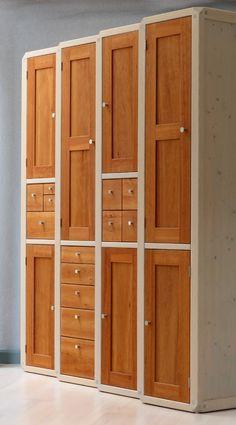 4 kompakte Pfeilerschränke aus Esche mit unterschiedlichen Fronten aus amerikan. Kirschbaum // Seeland Furniture Upholstery, Wood Furniture, Furniture Design, Small House Design, Bed Design, Armoire, Bedroom Closet Design, Wood Cabinets, Cupboards