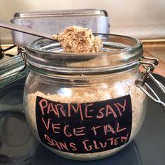 J'ai mis une recette de Parmesan végétal la semaine dernière mais qui contient de la levure maltée donc du gluten, voici le Parmesan végétal sans gluten :) Pour remplacer la levure maltée j&#…