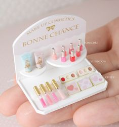 Miniature Manicure Set ♡ ♡ By Bonne Chance Ensemble de manucure miniature ♡ By Good Luck Doll Crafts, Cute Crafts, Diy And Crafts, Crafts For Kids, Miniature Crafts, Miniature Food, Miniature Dolls, Miniature Tutorials, Cute Polymer Clay
