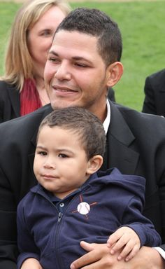 1000+ images about My favorite piayer on Pinterest ...  Yadier Molina Son