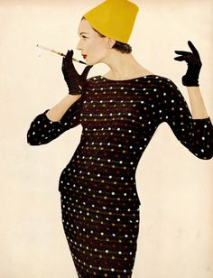 Dovima, photo by Richard Avedon, Harper's Bazaar, February 1955