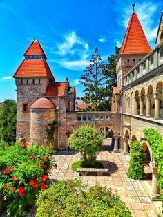 Bory castle (Bory Var) at Székesfehérvár is often used as décor for wedding pictures by the locals. It's one of the most romantic places I've ever visited. Beautiful Castles, Beautiful Places, Small Castles, Romanesque Architecture, Most Romantic Places, Fairytale Castle, Medieval Castle, Central Europe, Kirchen