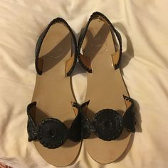 Back 6.5 jack Rogers. Worn only 4 times Great for anyone. I wear a 7 so they run large. Jack Rogers Shoes Sandals