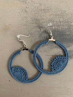 Oya lace hoop crochet earrings diameter 5 cm by CraftSuppliesArt on Etsy Crochet Jewelry Patterns, Crochet Earrings Pattern, Crochet Necklace, Crochet Butterfly, Crochet Flowers, Crochet Thread Size 10, Pineapple Crochet, Skull Earrings, Crochet Instructions