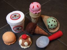 This is one of the best ice cream felt food sets I have seen. Would love to add something like this to our kitchen.