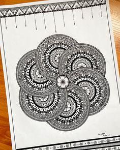 Easy Mandala Drawing, Doodle Art Drawing, Zentangle Drawings, Cool Art Drawings, Zentangles, Mandala Art Therapy, Mandala Art Lesson, Mandala Artwork, Mandala Painting