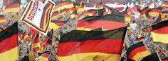 Deutschland-Fans während der WM 2006 in Hamburg: Ich glaube nicht, dass es noch typisch deutsche Charakteristika gibt, die von Flensburg bis München gelten. Mal abgesehen davon, dass man im Norden ganz andere Mundarten spricht als im Süden.