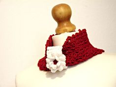 red neck warmer with white crochet flower in by IlmondodiTabitha  #crochet #scarf #flower #ilmondoditabitha