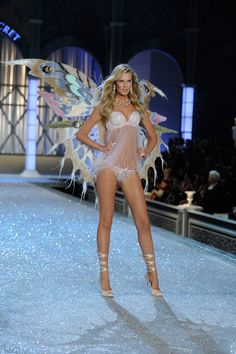 Victoria's Secret Fashion Show Photos