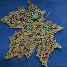 Bobbin Lace Patterns, Textile Patterns, Crochet Motif, Knit Crochet, Pin Weaving, Bobbin Lacemaking, Lace Heart, Lace Jewelry, Lace Embroidery