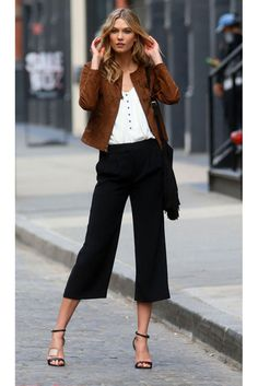 La lista: 10 'looks', 10 compras - Harper's Bazaar Edgy Summer Fashion, Spring Fashion Trends, Autumn Winter Fashion, Stylish Outfits, Fall Outfits, Fashion Outfits, Womens Fashion, Karlie Kloss Street Style, Casual Chic