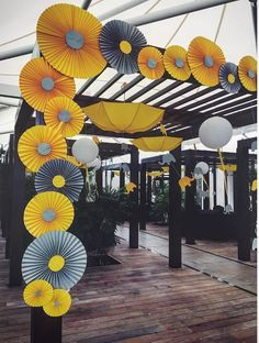 Colored elephants and inverted hanging umbrellas are ideal for … - Diy Event Housewarming Decorations, Diy Diwali Decorations, Backdrop Decorations, Diy Wedding Decorations, Balloon Decorations, Backdrops, Mehendi Decor Ideas, Mehndi Decor, Desi Wedding Decor