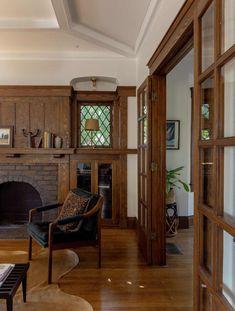 Craftsman Living Rooms, Craftsman Interior, Home Interior, Craftsman Cottage, Craftsman Homes, Interior Design, Craftsman Style Interiors, Craftsman Remodel, Bungalow Interiors