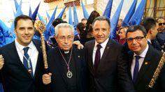 En la salida de la Procesión de la Hermandad Agustina con mi querido Padre Angel Escapa.