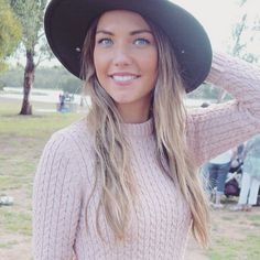We can't keep up with these Sam Frost hair changes.