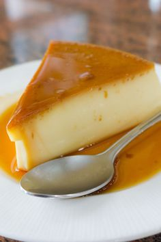 """Real Easy"" Flan recipe: My secret family recipe! Easy to put together ahead of time. For a delicious coconut flan variation, try substituting cream of coconut (Coco Lopez, Coco Goya) for the condensed milk and garnish with shredded coconut if desired. Sweet Desserts, Just Desserts, Sweet Recipes, Delicious Desserts, Yummy Food, Caramel Flan, Caramel Cheesecake, Cheesecake Recipes, Flan Cheesecake"