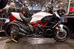 Concept Motorcycles, Cars And Motorcycles, Indian Scout Bike, Ducati Diavel Carbon, Moto Ducati, Super Bikes, Bike Design, Cool Bikes, Motorbikes