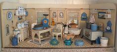 Auflösung einer Puppenküche: Eierdose Butterhuhn, Pressglas blau in Antiquitäten & Kunst, Antikspielzeug, Puppen & Zubehör, Puppenküchen & Zubehör, Original, gefertigt vor 1970, Zubehör | eBay