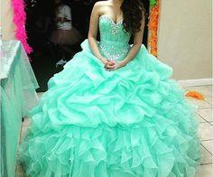 2016 Vestidos De 15 Anos Crystal Sweet 16 Dress Mint Green Princess Ball Gowns Plus Size Ruffled Organza Quinceanera Dresses