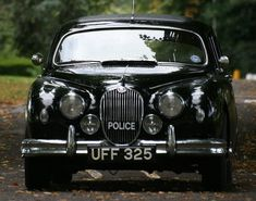 MK 1 Jaguar used in the TV series, Endeavour British Police Cars, Old Police Cars, Emergency Vehicles, Police Vehicles, Endeavour Morse, Cops And Robbers, Classic Cars British, Police Uniforms, Automobile