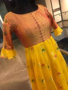 Lehenga Gown, Anarkali Dress, Anarkali Suits, Long Gown Dress, Long Gowns, Dress Neck Designs, Blouse Designs, Classic Dresses, Salwar Designs