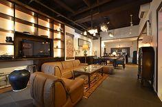 リビングの様子。アンティークの家具がたくさん使われています。(id:160930,リビング)