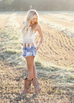 pbr outfit for women summer pbr outfit for women ; pbr outfit for women winter ; pbr outfit for women plus size ; pbr outfit for women summer Mode Country, Country Girl Style, Country Fashion, Country Girls, Country Women, Country Life, Country Style Clothes, Country Girl Hair, Country Chic Dresses