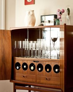 Art Deco 1920 S Walnut Drinks Bar Cocktail Liquor Cabinet