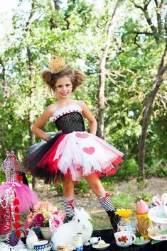 Queen of Hearts Tutu Dress - Alice in Wonderland tutu - size 6 to 8- queen of hearts tutu costume - crown not included