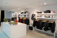 interieur winkel Visual Merchandising, Closet, Shopping, Home Decor, Armoire, Decoration Home, Room Decor, Closets, Cupboard