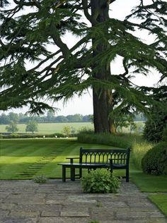 Faluhelyen itthon és másutt: Pompás angol kert