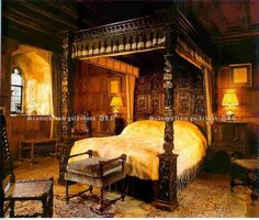 Architecture - This was the bedroom of King Henry VIII when he was visiting Anne Boleyn in the Hever Castle that was once the seat of the Boleyn family Anne Boleyn, Medieval Bedroom, Gothic Bedroom, Cozy Bedroom, Bedroom Decor, Castle Bedroom, Castle Rooms, Tudor Style, Tudor Era