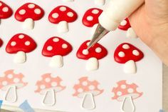 Easy Toadstool Royal Icing Transfers http://thebearfootbaker.com
