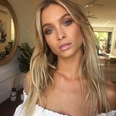 Super hair color for green eyes and fair skin bridesmaid dresses 68 ideas Hair Colour For Green Eyes, Eyeshadow For Green Eyes, Blue Hair, Hair Color, Blue Eye Makeup, Hair Makeup, Glowy Makeup, Date Night Makeup, Simple Eyeliner