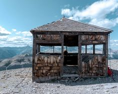 Black Rock Mountain hut near Calgary, Alberta. Wonderful Places, Great Places, Grizzly Peak, Hiking Photography, Great Walks, Two Rivers, Hiking Tips, Canadian Rockies, Black Rock