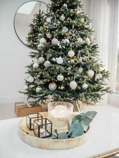 My home Christmas decorations 2018 White, silver and glass decorated Christmas Tree - a classy and elegant Christmas