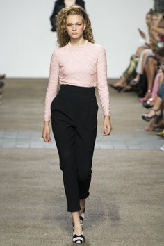 Topshop Unique Spring 2017 Ready-to-Wear Fashion Show - Sophia Ahrens