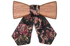Dámský dřevěný motýlek Rosis - Vous hésitez entre un noeud papillon et une cravate ? Noeud en bois et cravate en tissu. Superbe et Original ! Women Bow Tie, Laser Cutting, Butterfly, Your Style, Personal Style, Bows, The Originals, Stylish, Outfit